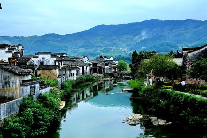 Chengkan,Tangmo and Xixi Nan Ancient Village Private Day Tour from Huangshan