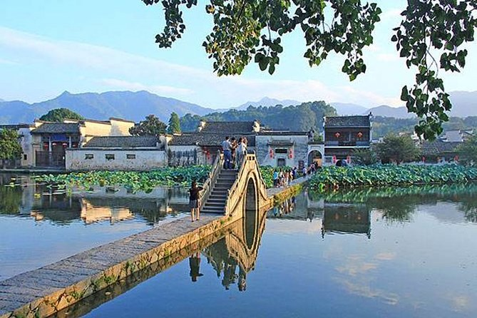 Hongcun Ancient Village Half-Day Private Tour from Huangshan