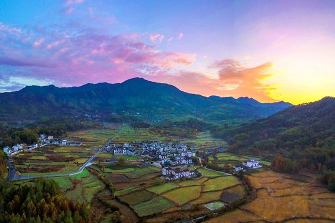 Xidi Ancient Village Half-Day Private Tour from Huangshan