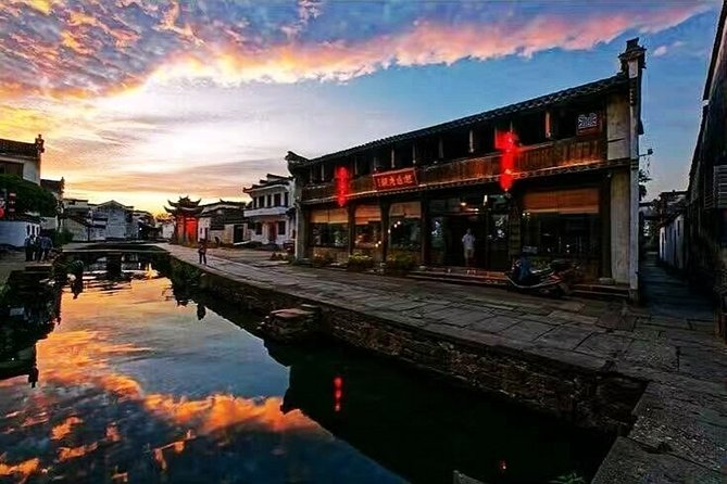 Tangmo Ancient Town Half-Day Private Tour from Huangshan