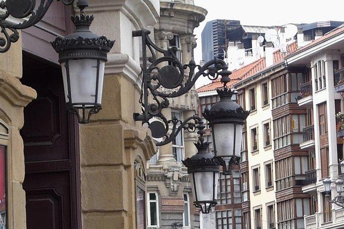 Discover Bilbao city and enjoy a pintxos tour