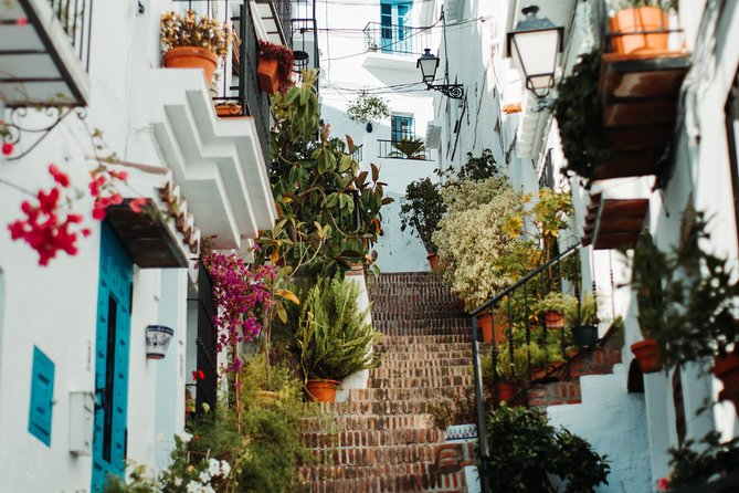 Coasts and Mountains: Nerja to Frigiliana with Nerja Caves Small-Group Day Trip