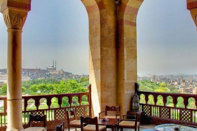 Tour to El Moez St. and Al Azhar Park with Dinner