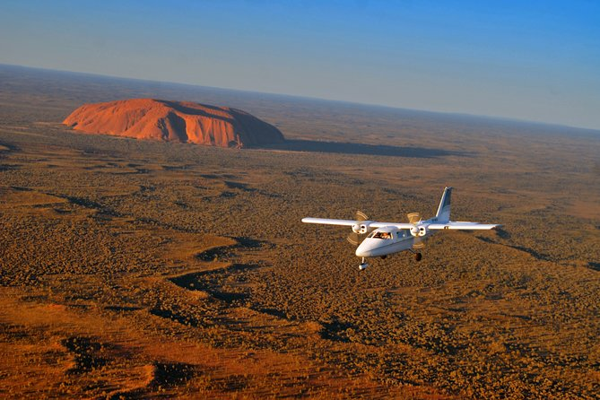 Uluru, Kata Tjuta and Lake Amadeus Half-Day Scenic Flight Tour