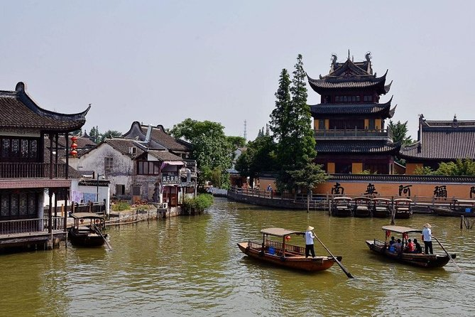 Private Tour of Zhujiajiao Ancient Water Town and Shanghai Tower