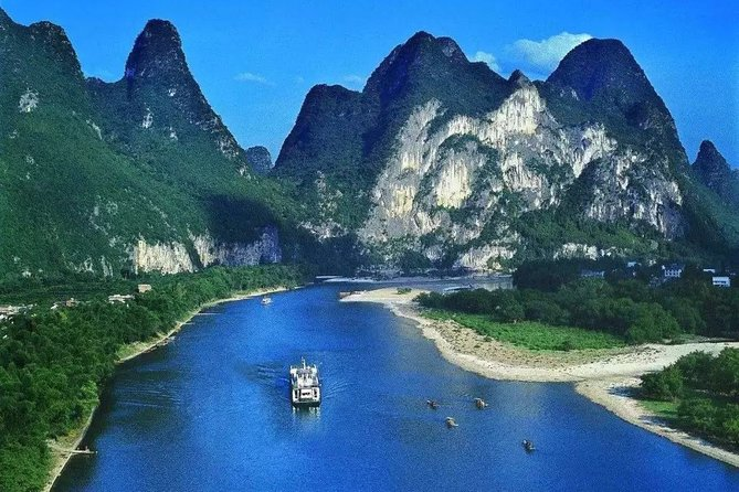 Li River Cruise from Guilin to Yangshuo: West Street, Silver Cave and Moon Hill