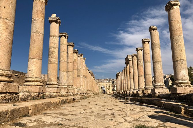 Guided Tour Jerash and Amman with light lunch