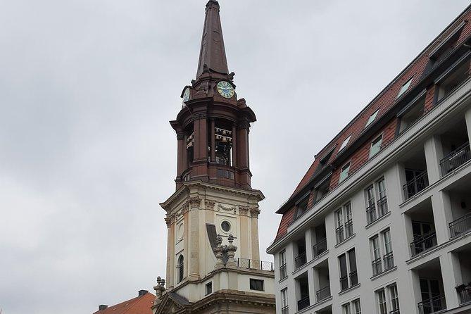 Private city tour through criminal Berlin