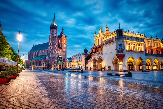 Krakow by night - City tour by electric car