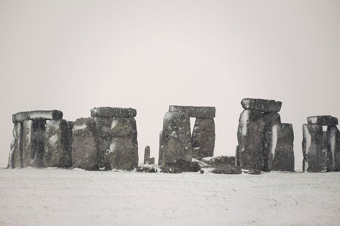 Simply Stonehenge Tour on Boxing Day- with Admission and Audio Guide