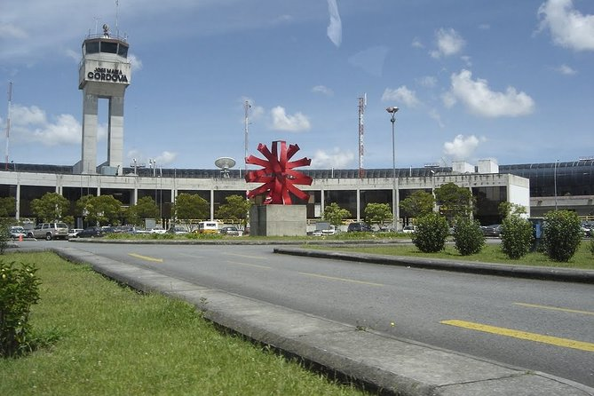 Private Arrival or Departure Transfer: José María Córdova Airport