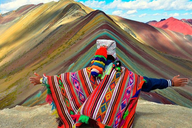 4 Days Tour in Cusco Machu Picchu and 7 Colors Mountain + 2 star Hotel