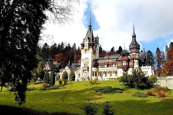 Full-Day Guided Sightseeing Tour of Bran and Peles Castle
