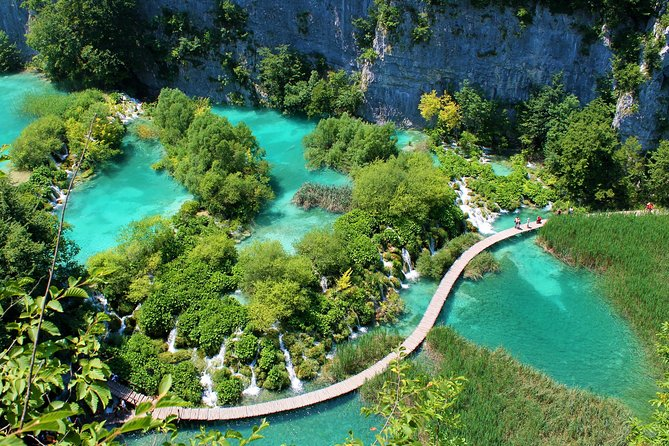 Full-Day Private Tour to Plitvice Lakes Park from Zagreb