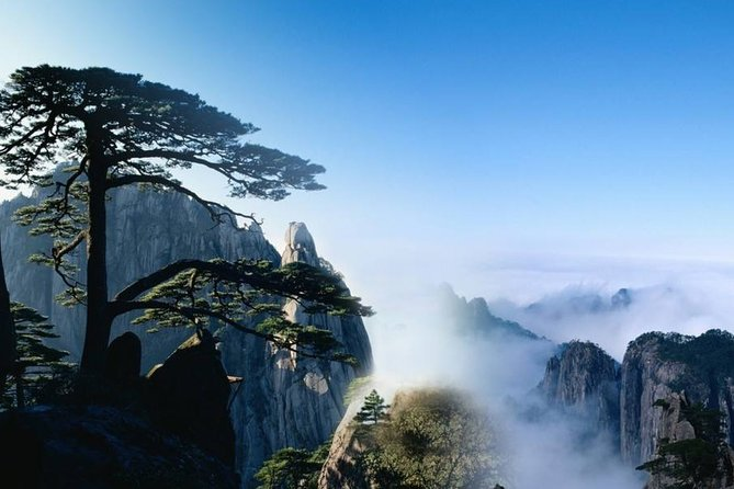 2-Day Mt Huangshan and Hongcun Village Private Tour from Nanjing by Bullet Train