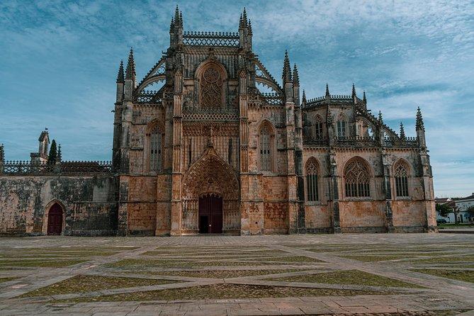 Óbidos Nazaré Alcobaça Batalha Fatima Private Transfer From Lisbon to Coimbra