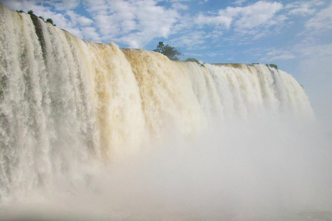 Iguazú Argentine Falls with Jungle Walk and Boat