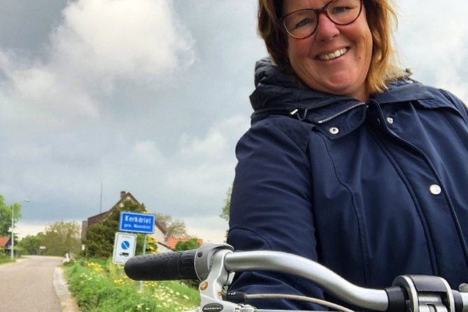 Bicycle through typical Dutch town - [LIVE] Guided Virtual Tour