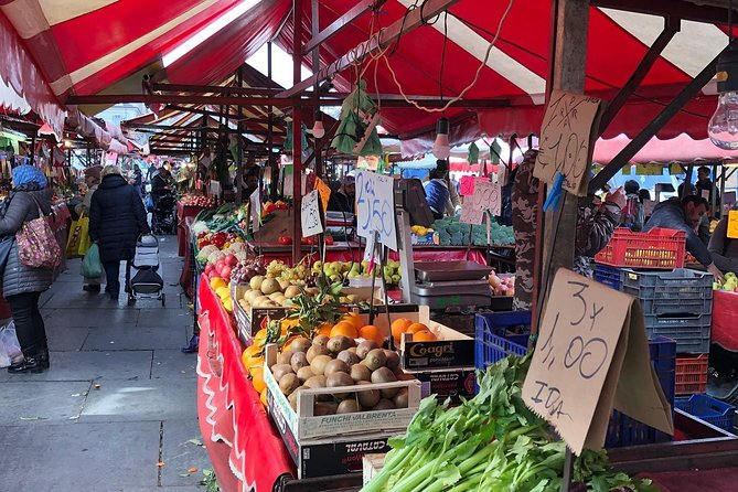 The market in the heart of TURIN: history and gastronomy