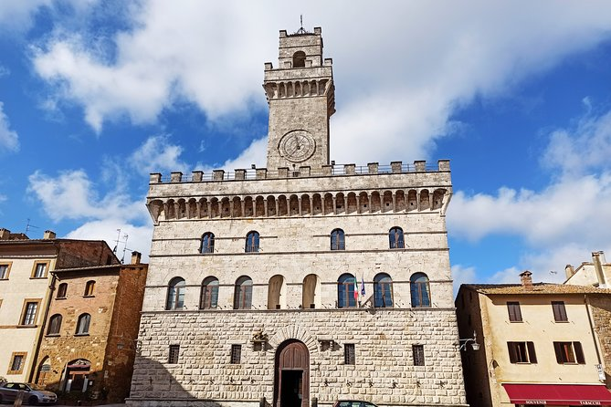 Transfer with stops: Florence-Rome with stop in San Gimignano and Montepulciano
