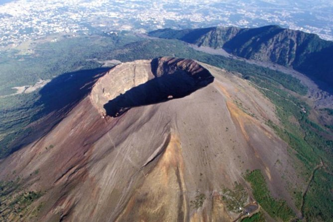 Discovering the Vesuvius - VIP tour/Small group
