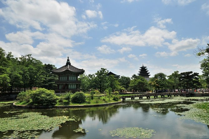 4 Hours Private tour with top attractions in Seoul