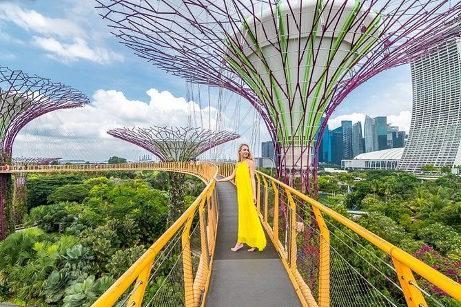 Private Walking Instagram Tour in Singapore