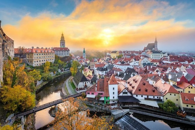 Prague to Cesky Krumlov - Private Transfer with 2 hours of Sightseeing