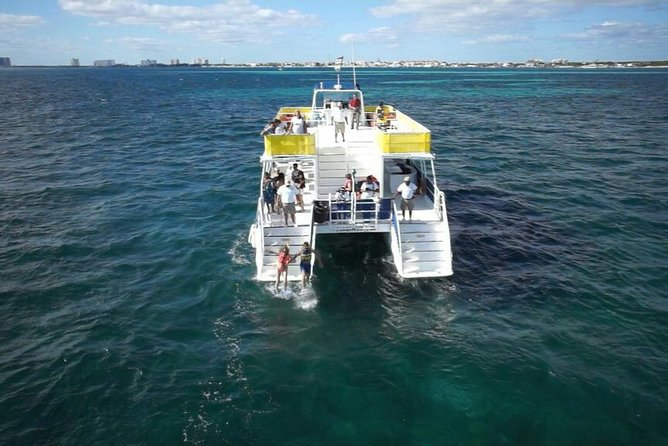 Tour Catamaran Isla Mujeres Unlimited from Cancun