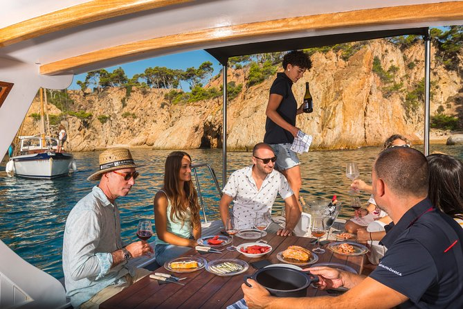 Private Boat Food Show from Palamós