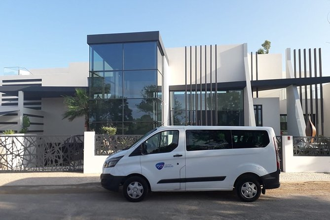 Sevilha Airoport Private Transfer To Algarve ( 8 Seats Van )