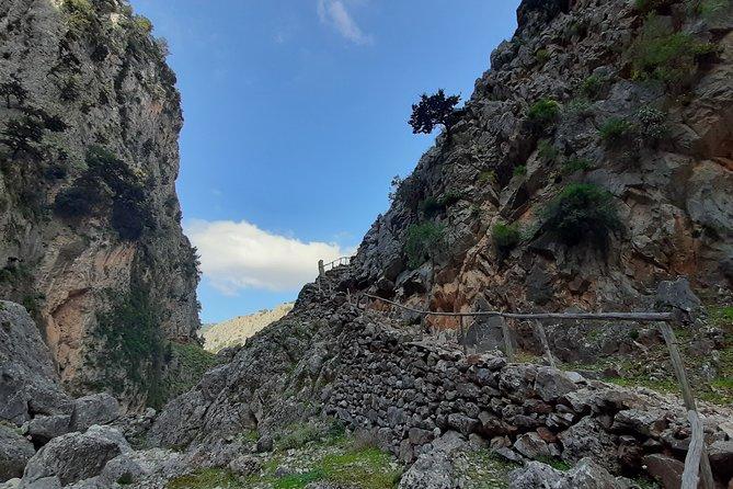 ARADENA GORGE hike adventure
