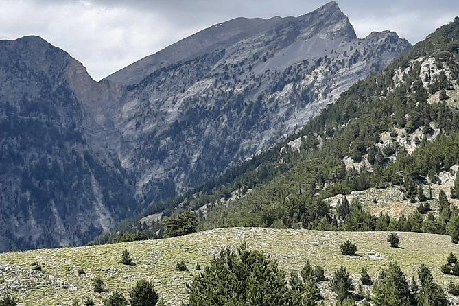 AGIA ROUMELI-PAPOURA peak, hike adventure