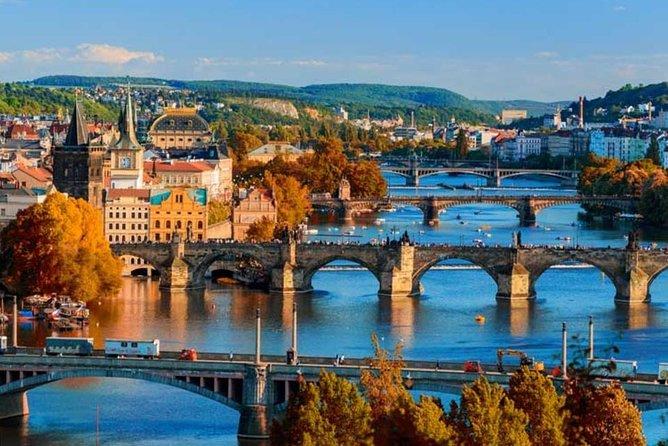 Prague Airport Transfers : Prague City to Prague Airport PRG in Luxury Car