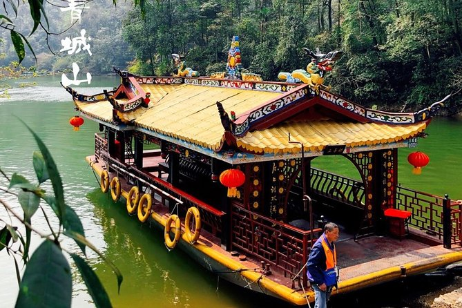 Private Qingcheng Mountain and Dujiangyan Irrigation System Tour from Xi'an
