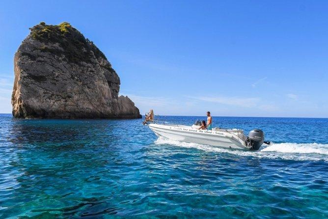 Private boat to Shipwreck and Porto Vromi Caves in Zakynthos!
