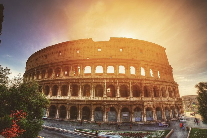 Private Tour of Ancient Colosseum and Roman Forum