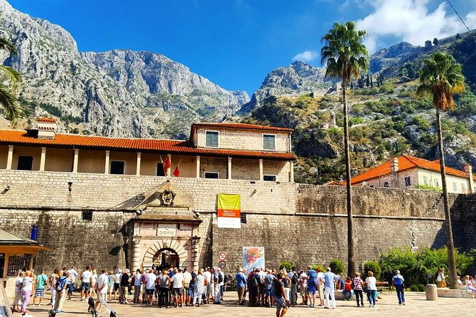 Private Transfer from Dubrovnik to Kotor via Perast