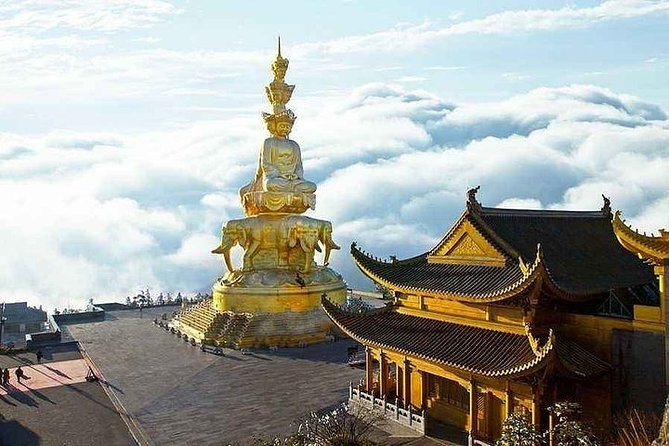 Private 2-Day Leshan Giant Buddha and Mt.Emei Tour from Kunming