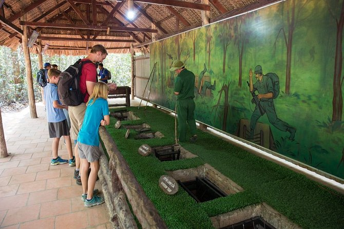 Cu Chi Tunnels and Saigon City by Private car