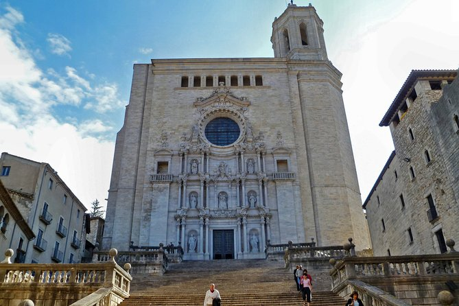 Private tour to Girona and Sitges from Barcelona
