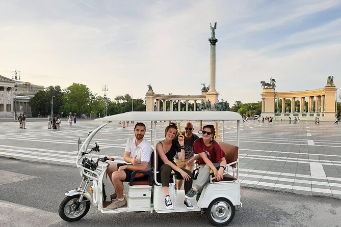 Budapest sightseeing by an eco-friendly Tuk tuk