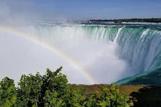 Private Niagara Falls Deluxe Sightseeing Tour of American and Canadian Sides