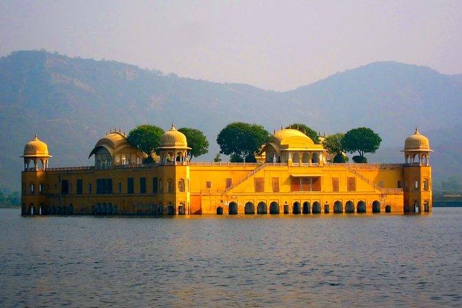 Private Tour: 2 Days Delhi Temples & Jaipur City Tour from Delhi