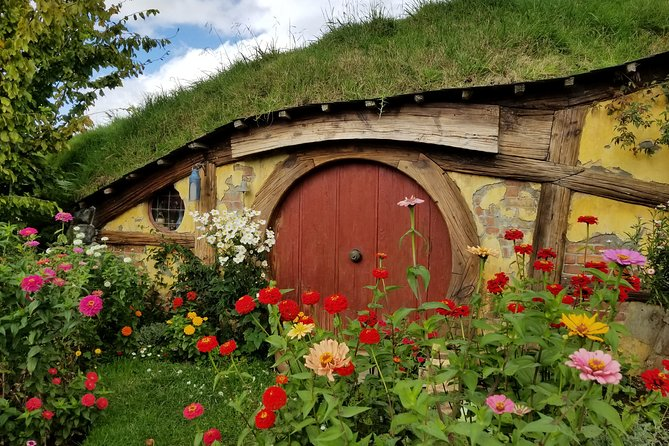 Tour of The Hobbiton Movie Set from Auckland