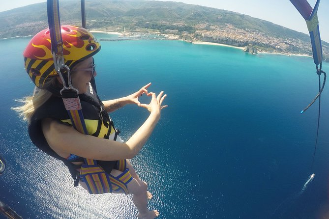 Parasailing Single Flight to Tropea in Small Group