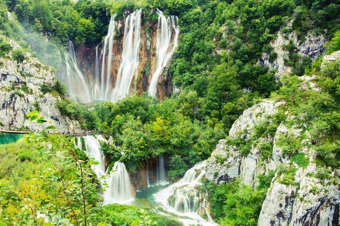De Zadar: Lagos Plitvice e Moinhos Rastoke Tour Privado