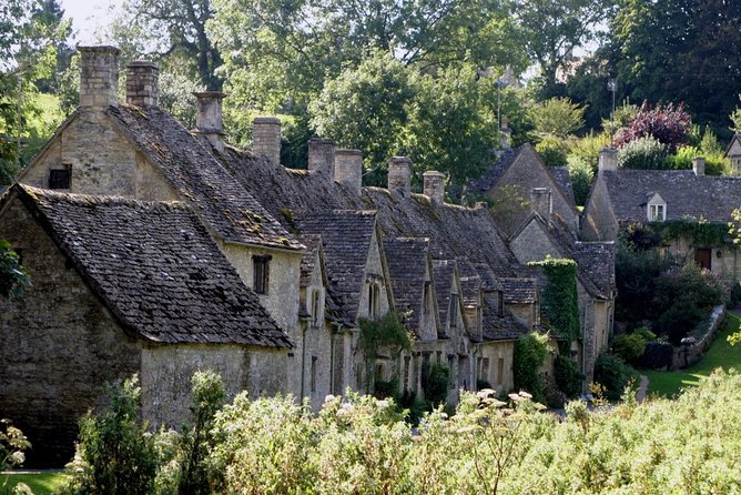 Cotswolds Small Group Tour with optional lunch from London