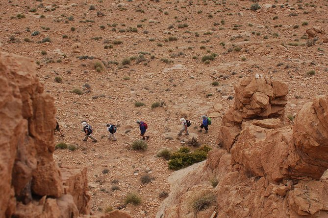 1 night nomadic hike in Todra Gorge - Aventures Verticales Maroc