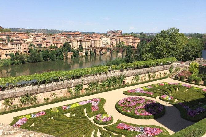 Day Tour to Albi and wine tasting in the Gaillac area.Private tour from Toulouse